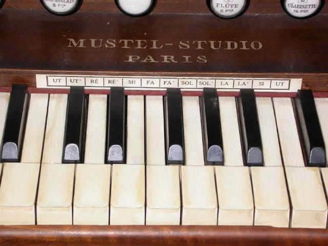 Mustel studio Mustel11