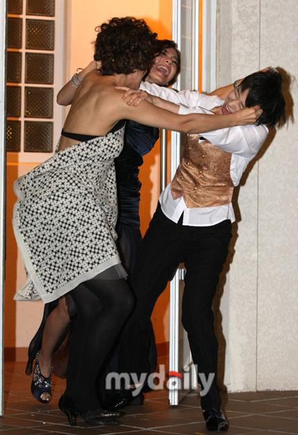 Girlfriends 20090912