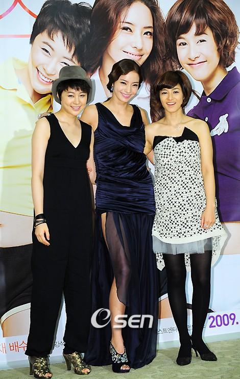 Girlfriends 20090916