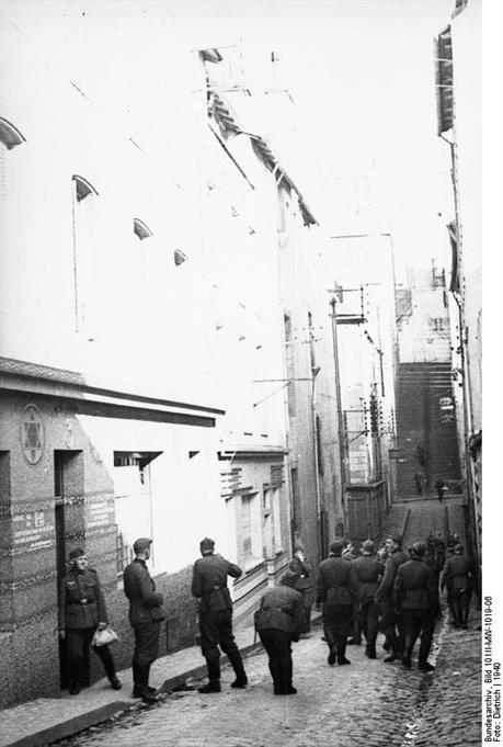 Brest, une synagogue transformée en maison close pour la Wehrmacht Brest_15