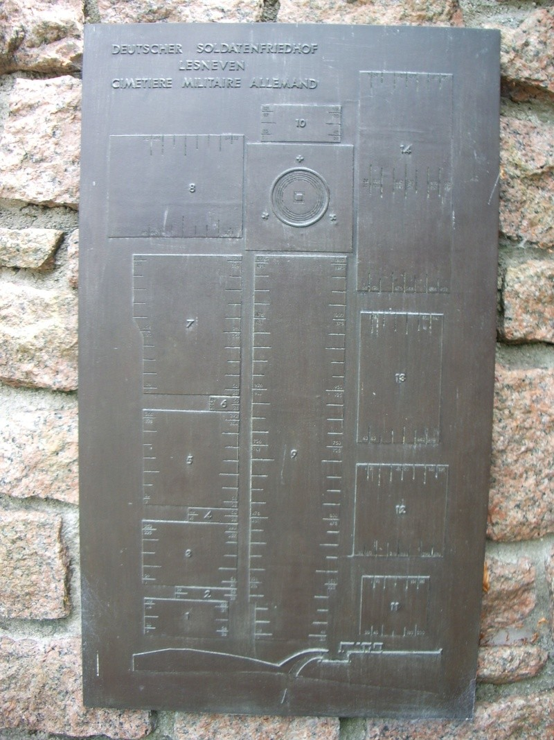 Cimetière militaire allemand de Ploudaniel-Lesneven Imgp2513