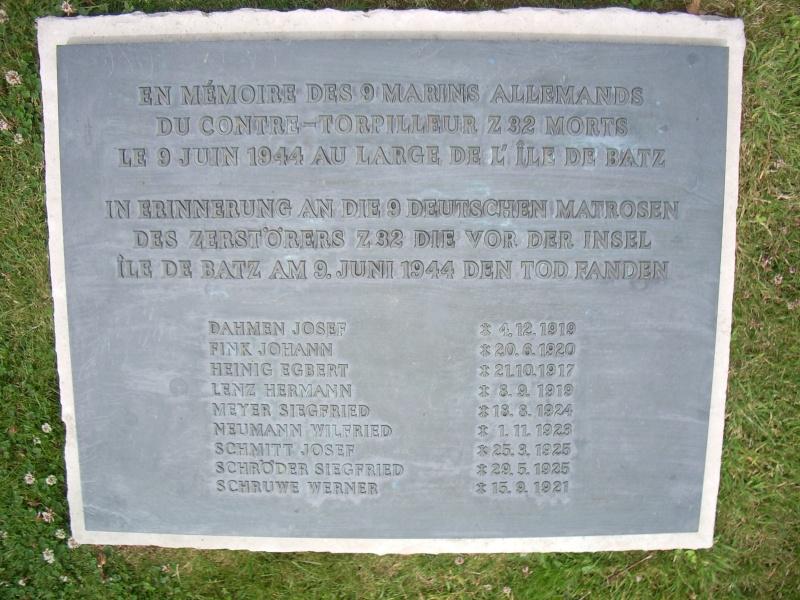 Cimetière militaire allemand de Ploudaniel-Lesneven Imgp2514