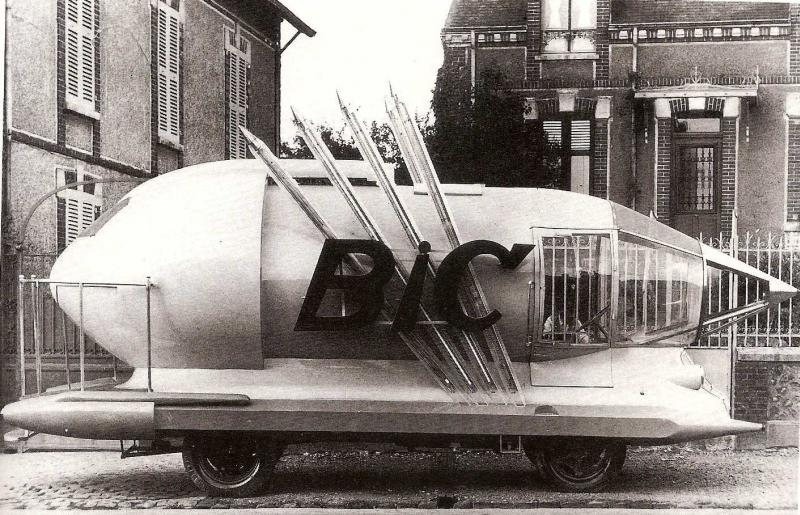 Les véhicules de la Caravane du Tour de France 1950's & 1960's - Page 2 Bic00110