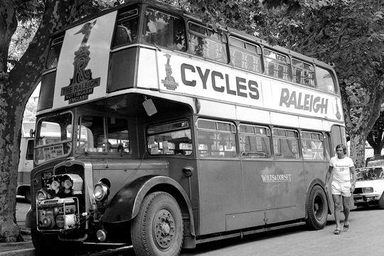 Les véhicules de la Caravane du Tour de France 1950's & 1960's - Page 3 Bus-im10