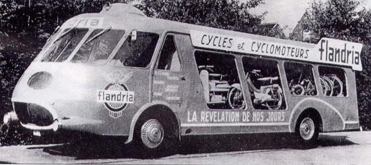 Les véhicules de la Caravane du Tour de France 1950's & 1960's - Page 3 Camion11