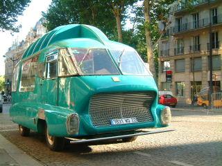Les véhicules de la Caravane du Tour de France 1950's & 1960's - Page 3 Camion12