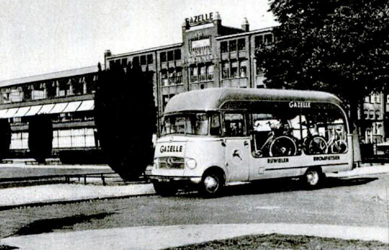 Les véhicules de la Caravane du Tour de France 1950's & 1960's - Page 2 Gazell10