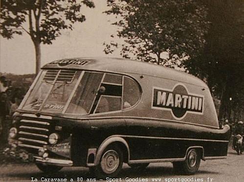 Les véhicules de la Caravane du Tour de France 1950's & 1960's - Page 2 Martin10