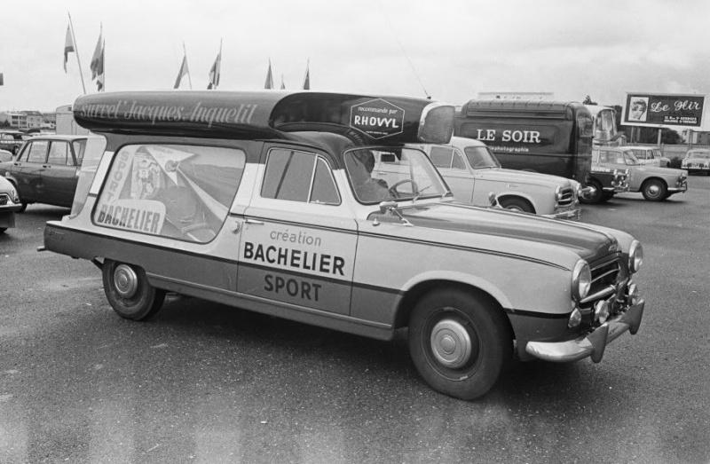 Les véhicules de la Caravane du Tour de France 1950's & 1960's - Page 3 Peugeo14