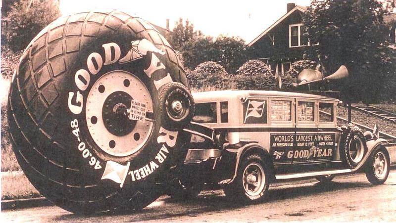 Les véhicules de la Caravane du Tour de France 1950's & 1960's - Page 2 Photos11