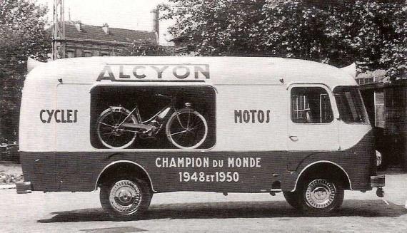 Les véhicules de la Caravane du Tour de France 1950's & 1960's - Page 2 Pub-al10