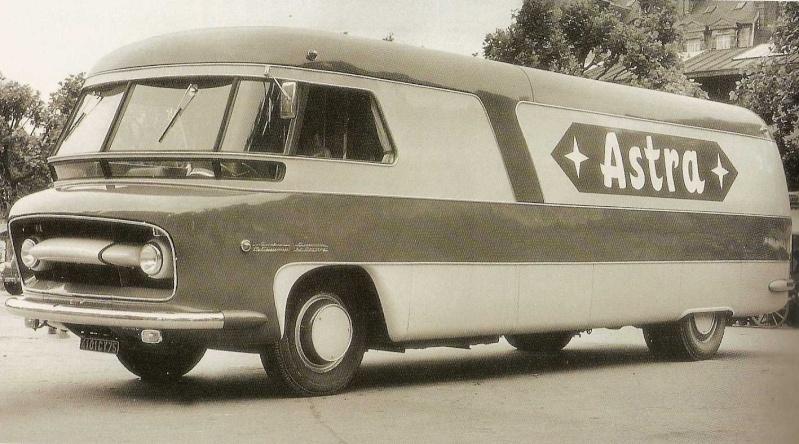 Les véhicules de la Caravane du Tour de France 1950's & 1960's - Page 2 Pub-as11