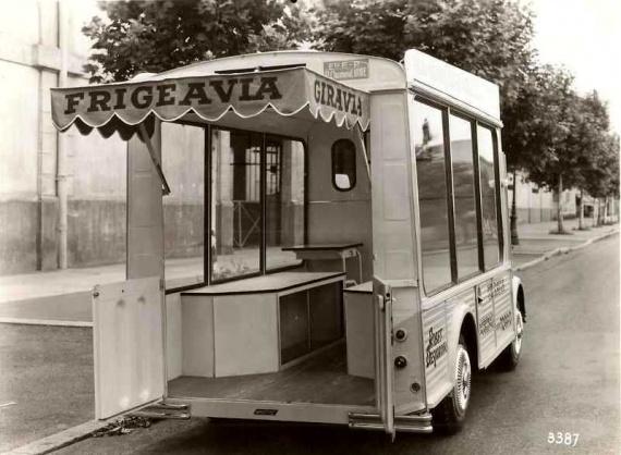 Les véhicules de la Caravane du Tour de France 1950's & 1960's - Page 3 Pub-fr10
