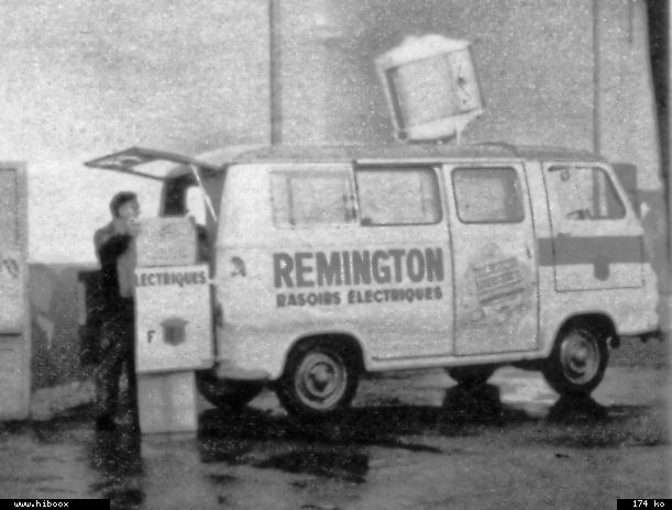 Les véhicules de la Caravane du Tour de France 1950's & 1960's - Page 3 Reming10