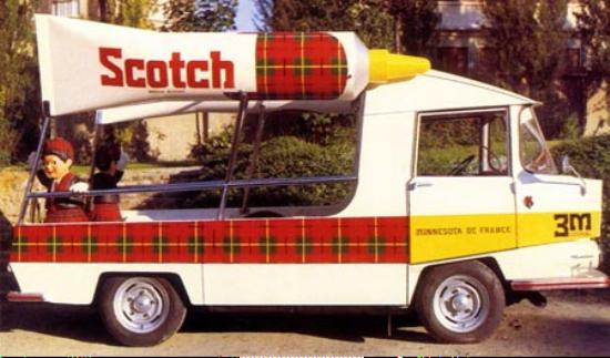 Les véhicules de la Caravane du Tour de France 1950's & 1960's - Page 3 Scotch10