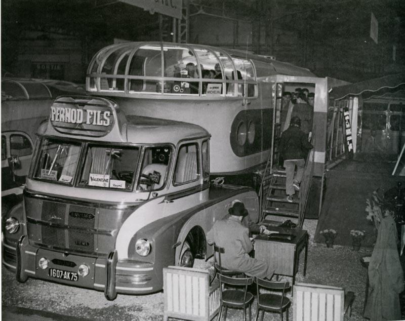 Les véhicules de la Caravane du Tour de France 1950's & 1960's - Page 3 Superc12
