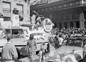 Les véhicules de la Caravane du Tour de France 1950's & 1960's - Page 3 Zoom_s10
