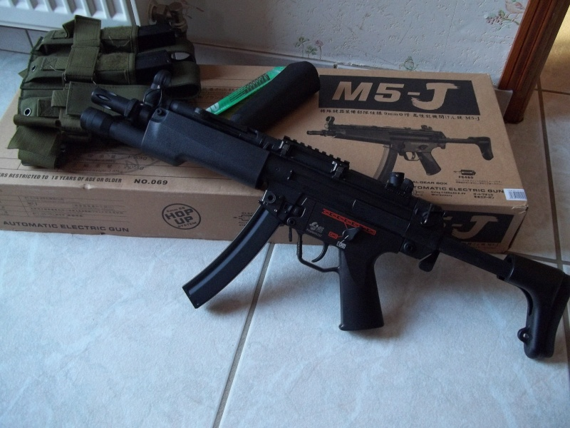 MP5-J, 4 hi cap, flashlight...315fps     150€ 100_1310