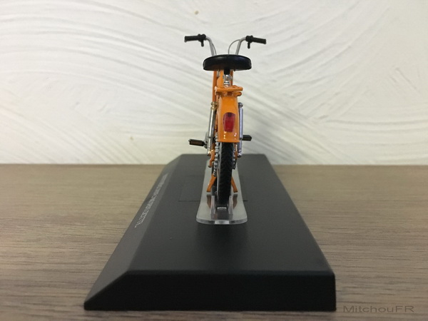 Mobylette miniature échelle -1/18 03_mot13