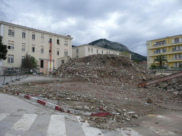 [Le service de santé] HIA Ste Anne déconstruction du bâtiment Beranger-feraud et rénovation de bâtiments 311