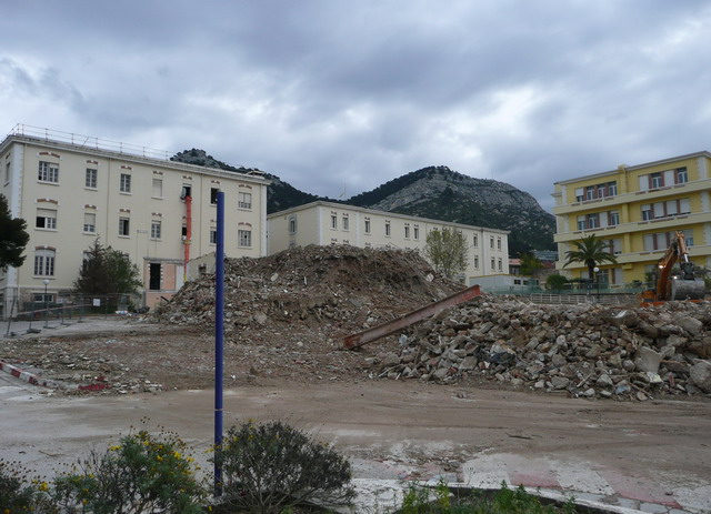 [Le service de santé] HIA Ste Anne déconstruction du bâtiment Beranger-feraud et rénovation de bâtiments 410