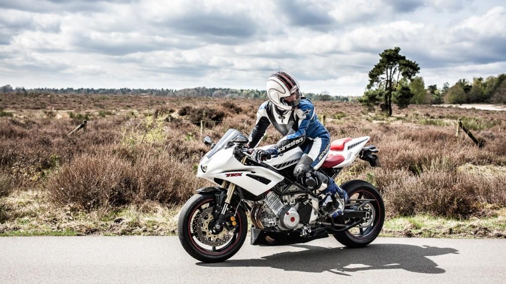 Yamaha 850 TRX - Page 2 2013-010