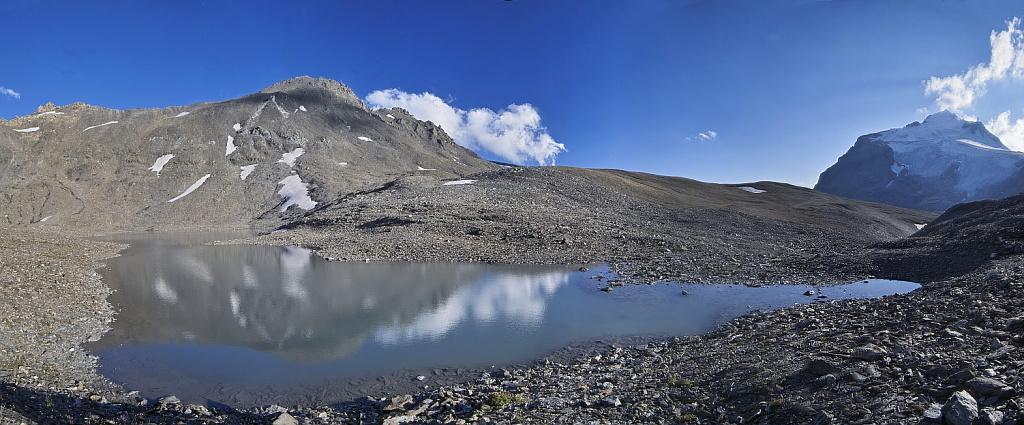 Les lacs de la Leisse et l'arête du Génépy Lac_le10