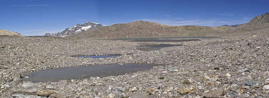 Les lacs de la Leisse et l'arête du Génépy Lac_le11