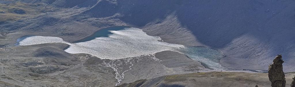Les lacs de la Leisse et l'arête du Génépy Lacnet10