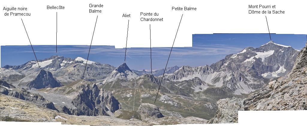 Les lacs de la Leisse et l'arête du Génépy Panoco11