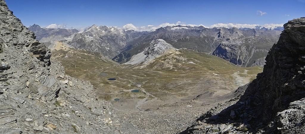 Les lacs de la Leisse et l'arête du Génépy Panoco12