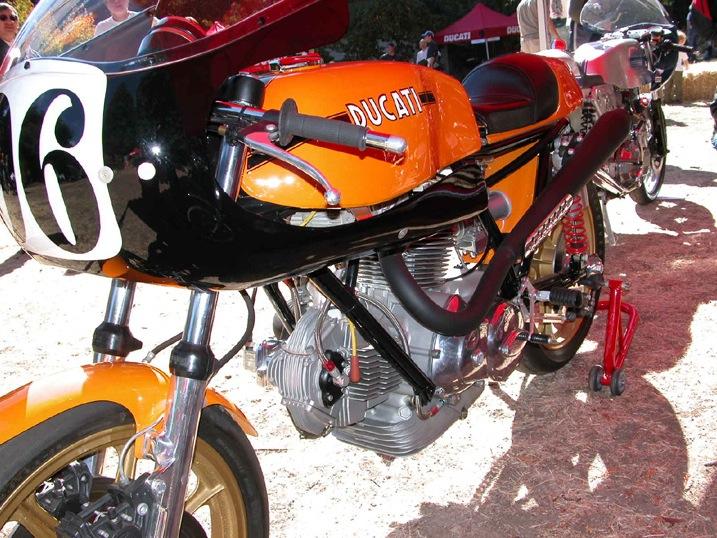 La Ducati victorieuse au A.M.A, US SUPERBIKE.... Pictu149