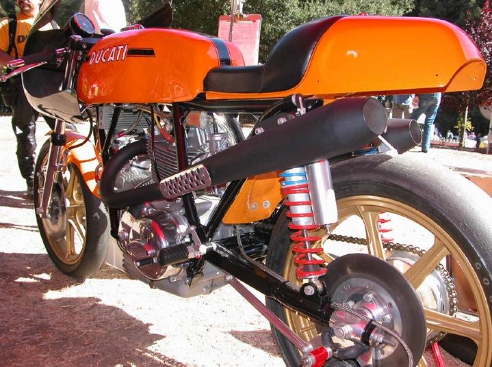 La Ducati victorieuse au A.M.A, US SUPERBIKE.... Pictu150