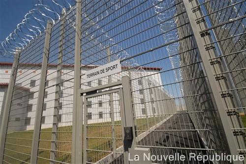 Bloquons le transfert des prisonniers Poitiers-Vivonne !!! Photo_10