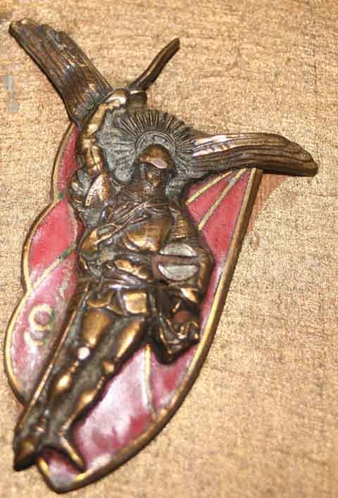 Bon Anniversaire Patoche..... et vive la St Michel Insign10