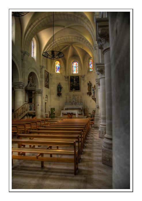 aureille (13) Eglise10