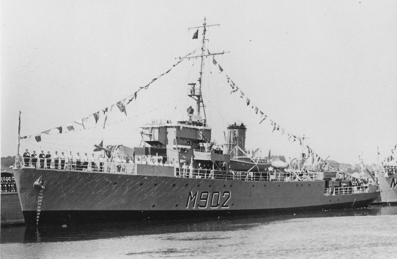 M902 J. E. Van Haverbeke (ex HMS Ready) M_902_10