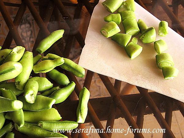 фуль - Фуль ахдар ма ляхма мафруме и тхание. Зеленые бобы с мясным фаршем и тхание-соусе Imag1712