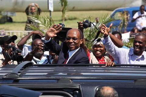 Le  vrai retour du président Aristide Lavala14