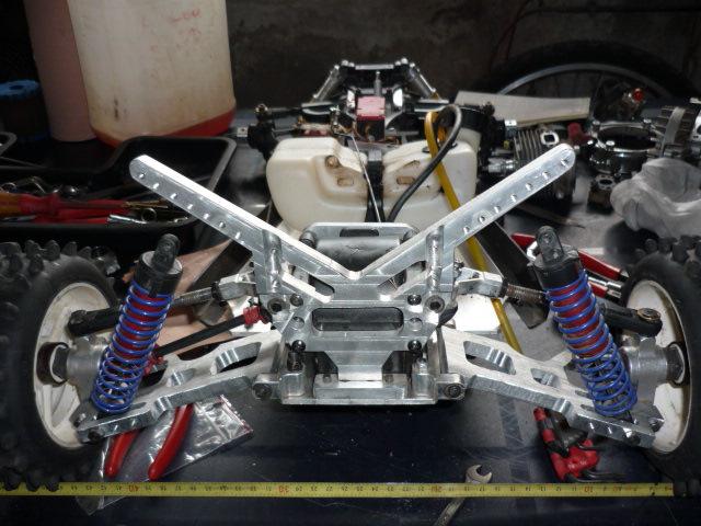 quelques photos de mes modifs sur mon baja 4wd base plastic P1000310