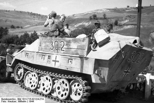 SDKFZ 251 le roi de la blitzkrieg - Page 3 251-7_11