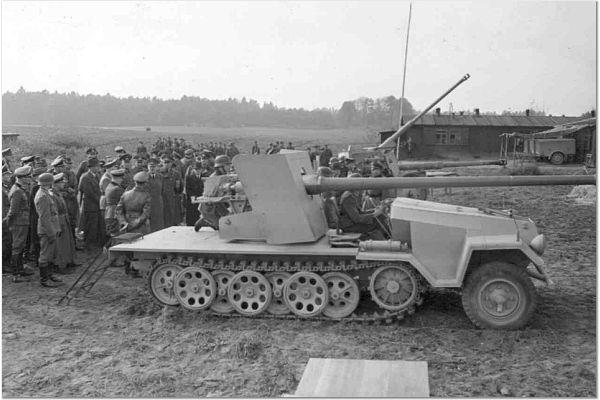 SDKFZ 251 le roi de la blitzkrieg - Page 3 251_au11