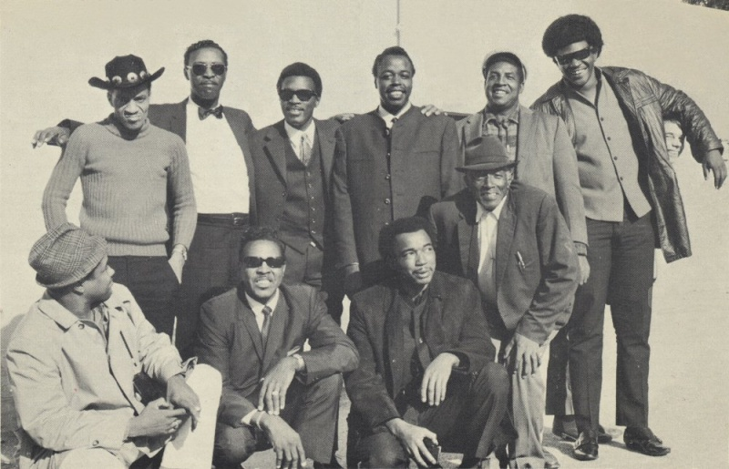 Quelques photos de blues - Page 3 1969en11