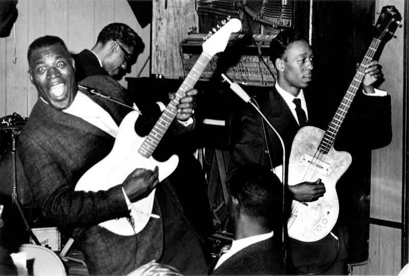 Quelques photos de blues - Page 3 Howlin11