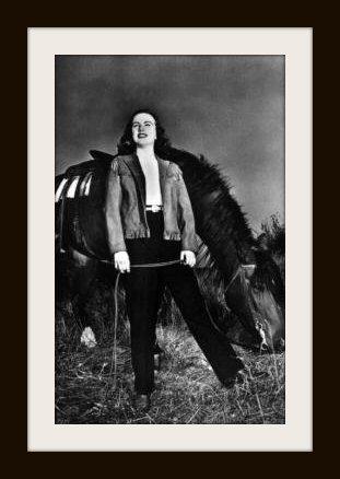 DEANNA DURBIN DUDETTE Horse010