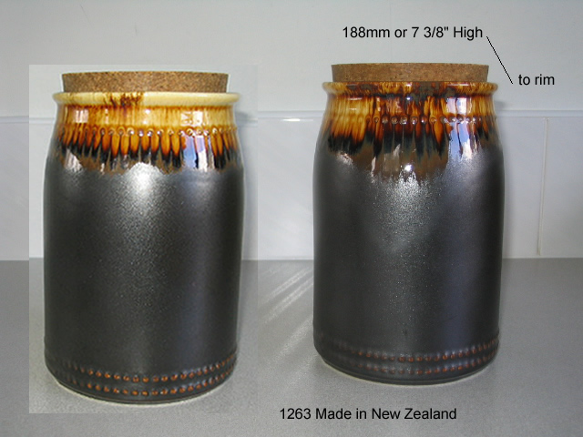 1262 med and 1263 lge Bobbles Canisters from ynotbrich 1263_m11