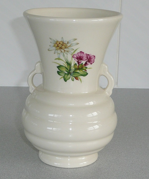 2086 Twin Handled Vase courtesy of ynotbrich 208610