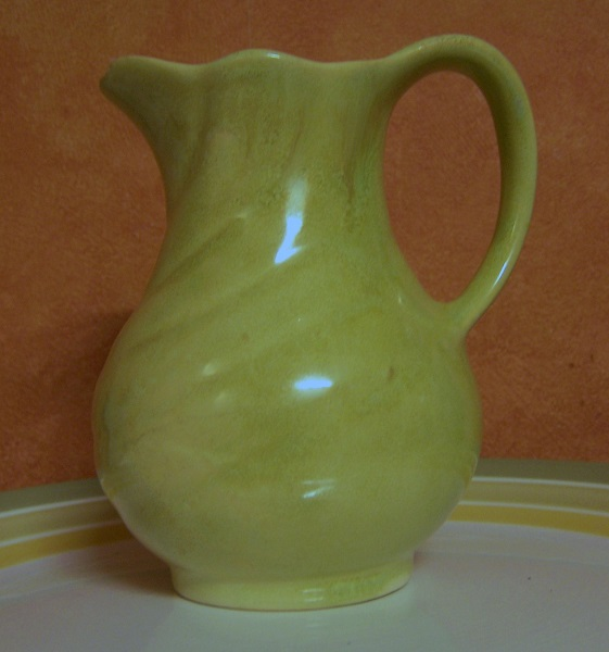The amazing running glazed 51 jug/vase 5110