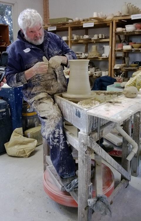 Ian Smail workshop at Auckland Studio Potters' .... Ian_10