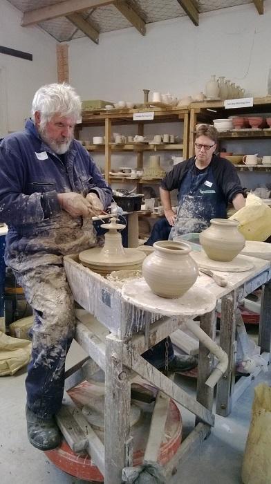 Ian Smail workshop at Auckland Studio Potters' .... Ian_s10